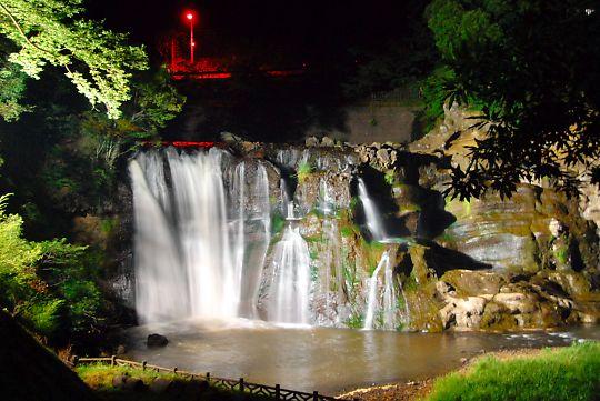 龍門の滝・ライトアップ1